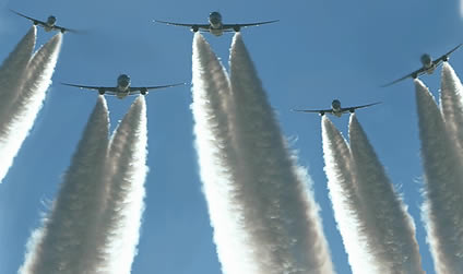 http://www.thelibertybeacon.com/wp-content/uploads/2014/03/chemtrail_vaccines2.jpg