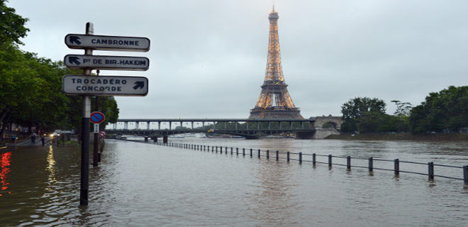 Parisflooding2016