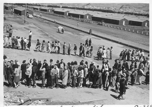 Japanese-internment-camps-1
