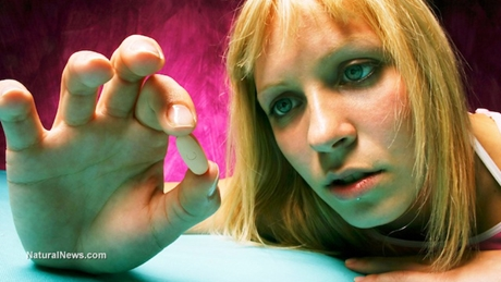 Addiction-Addict-Druggie-Pill-Desperate-460