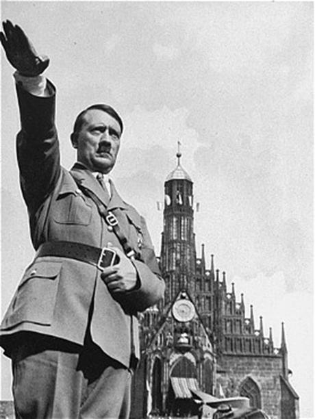 Hitler-Nuremberg-460