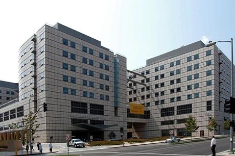 UCLA_Reagan_Medical_Center-460