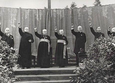 priests-hitler-salute-460